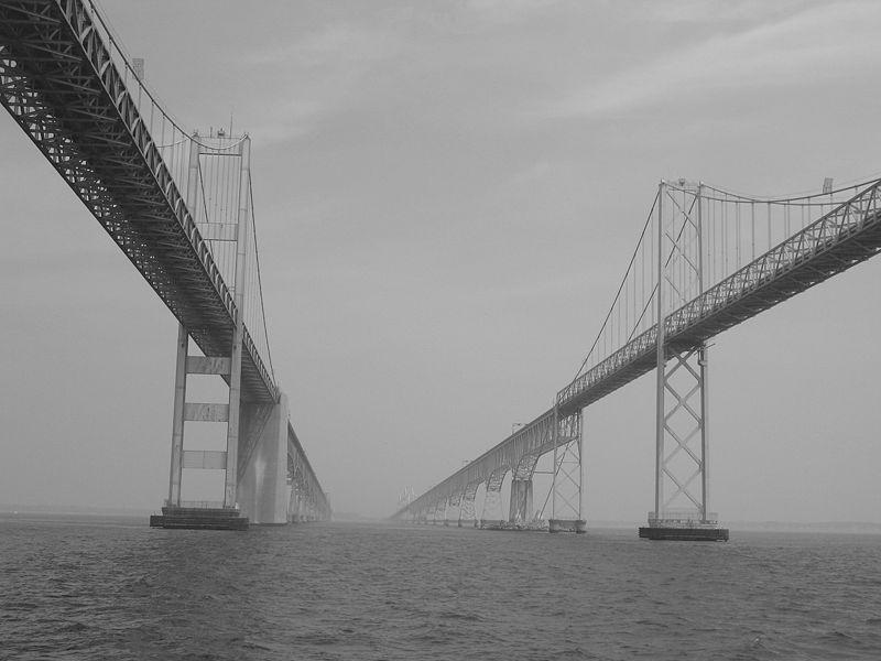 800px-Bay_bridges_shot_187609960