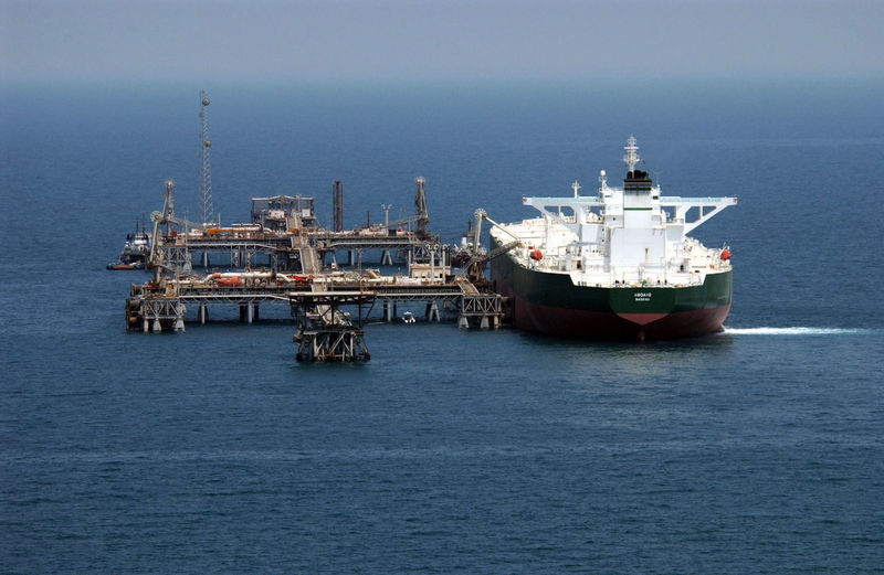 800px-Tanker_offshore_terminal